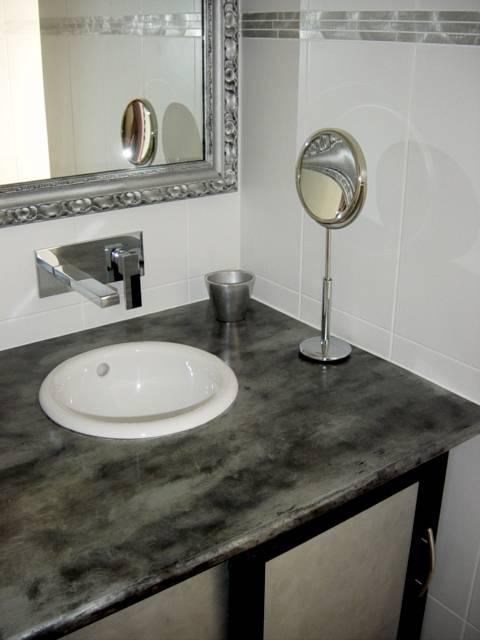 cr ation d 39 l ments pour salle de bain design dans le var nad. Black Bedroom Furniture Sets. Home Design Ideas