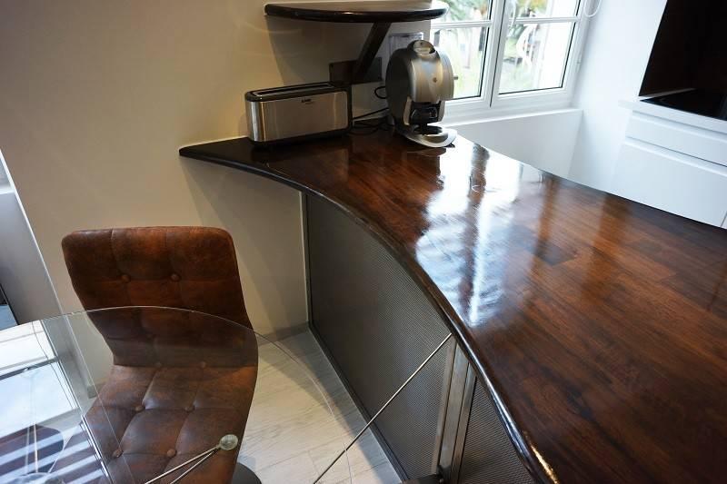 cr ation et installation d 39 un plan de travail en bois et. Black Bedroom Furniture Sets. Home Design Ideas